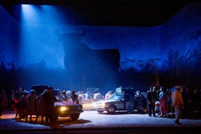 Scenebilde fra den nye Carmen